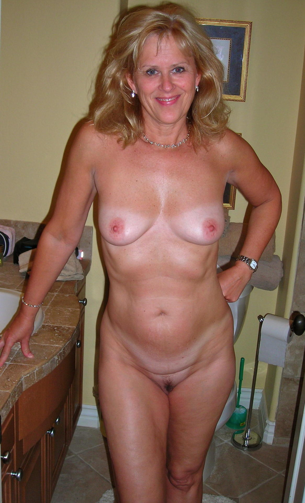 nude Mature pics mure