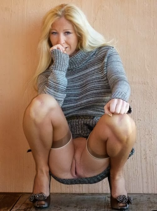 milf upskirt blonde Mature