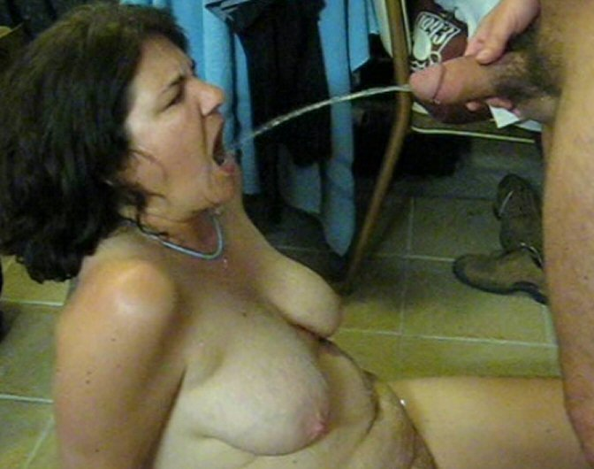 wife drinking Amateur piss