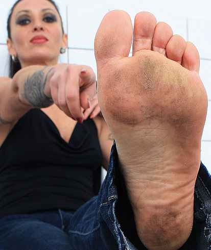female foot dirty naked