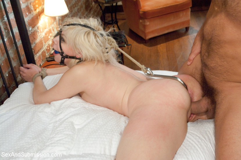sex Bondage and positions submissive