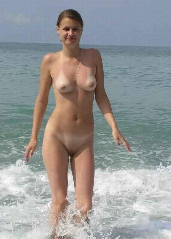beach in female 2010 nude