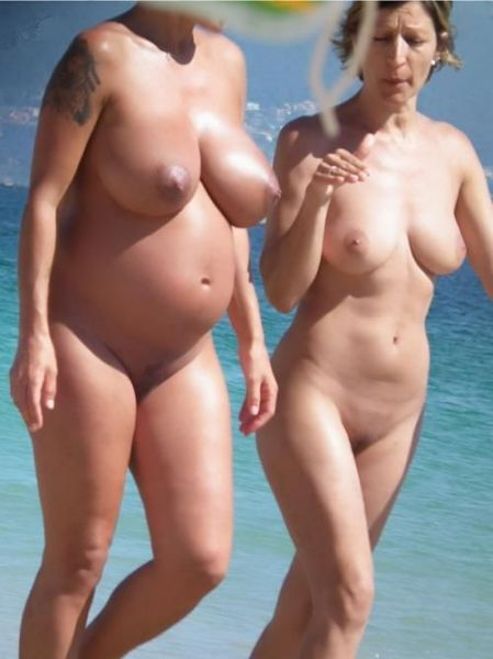 nude Pregnant woman beach at