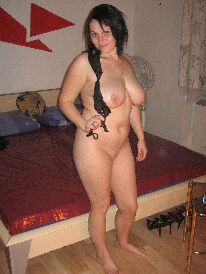 naked women gallery half