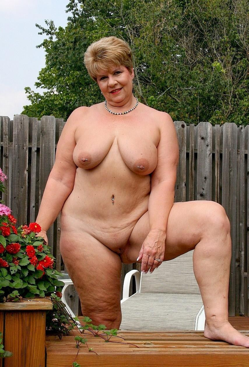 mature pics nude Old women