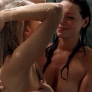 nude Laura shower prepon