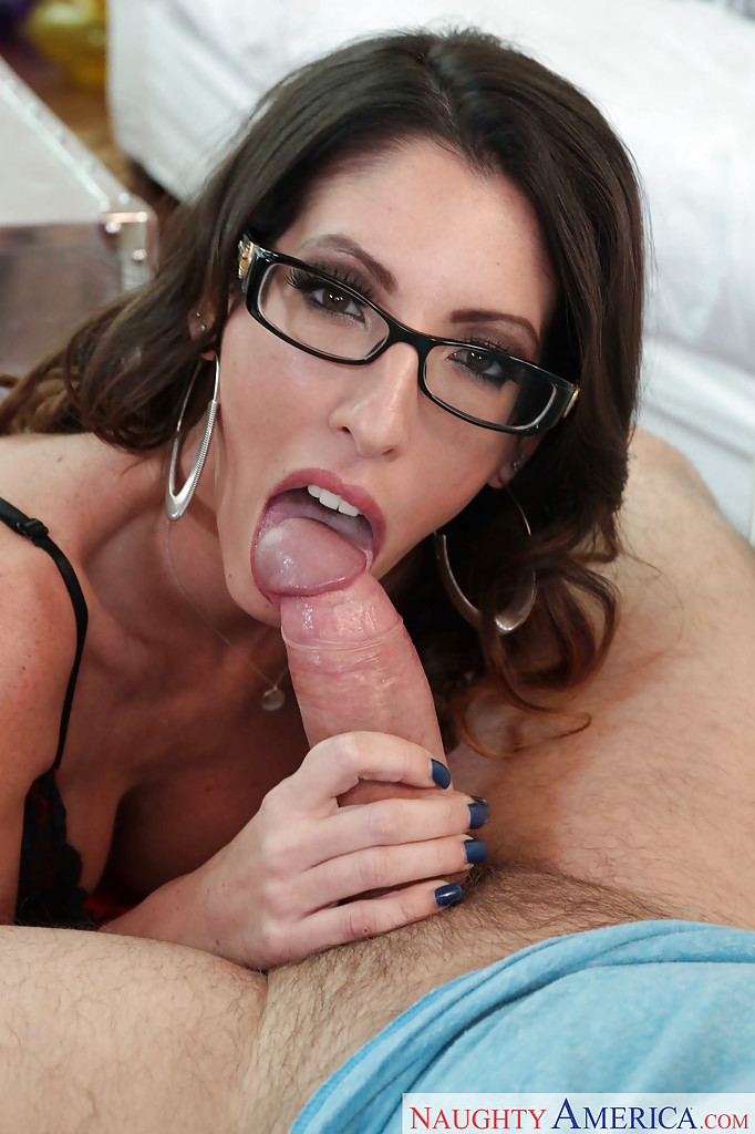 with blowjob Milf glasses
