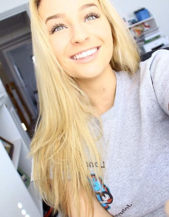 teen tumblr selfie Blonde girl