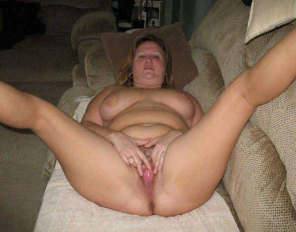 open spread Amateur pussy