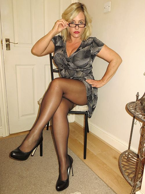 mature wearing heels women Sexy high