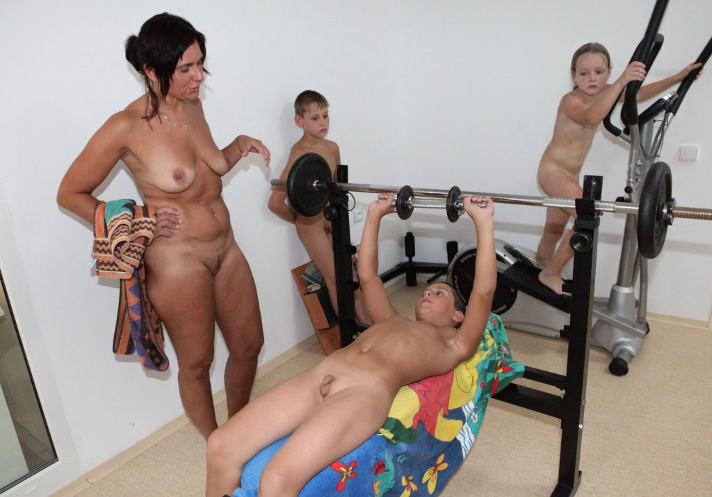Gallery Showing For Free -House And Family Nudist-2388