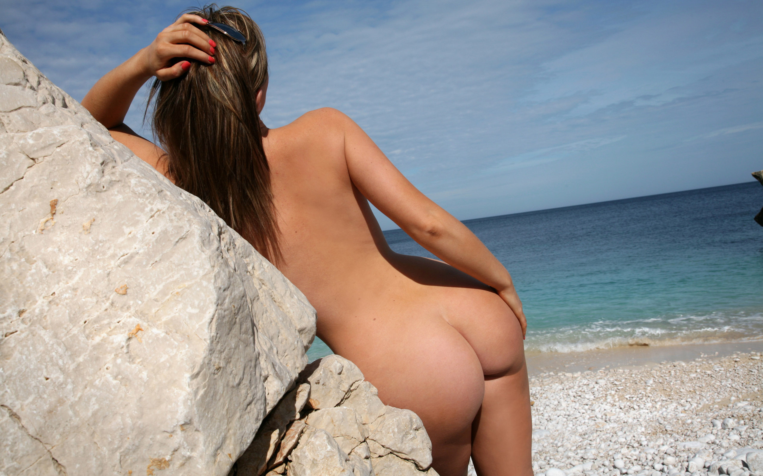 on beach girls Nude the
