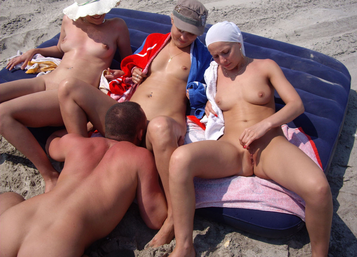 girls fuck beach sexy in
