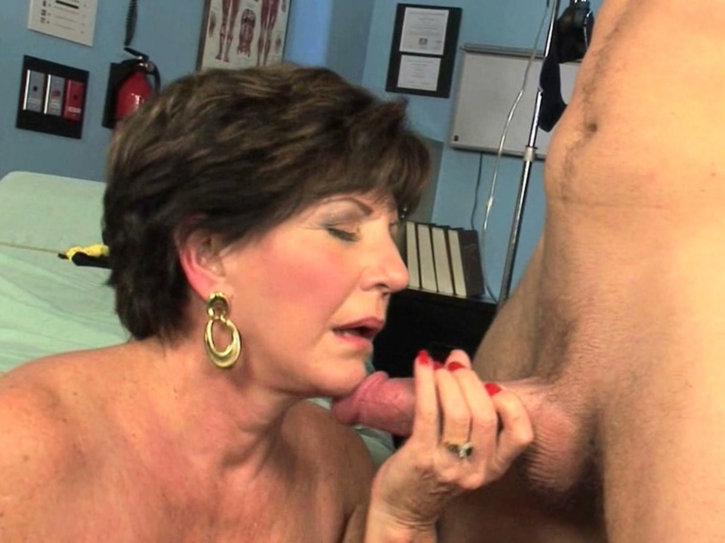 Nifty Hairdresser Surprises A Client With A Blowjob And Cockriding Skills