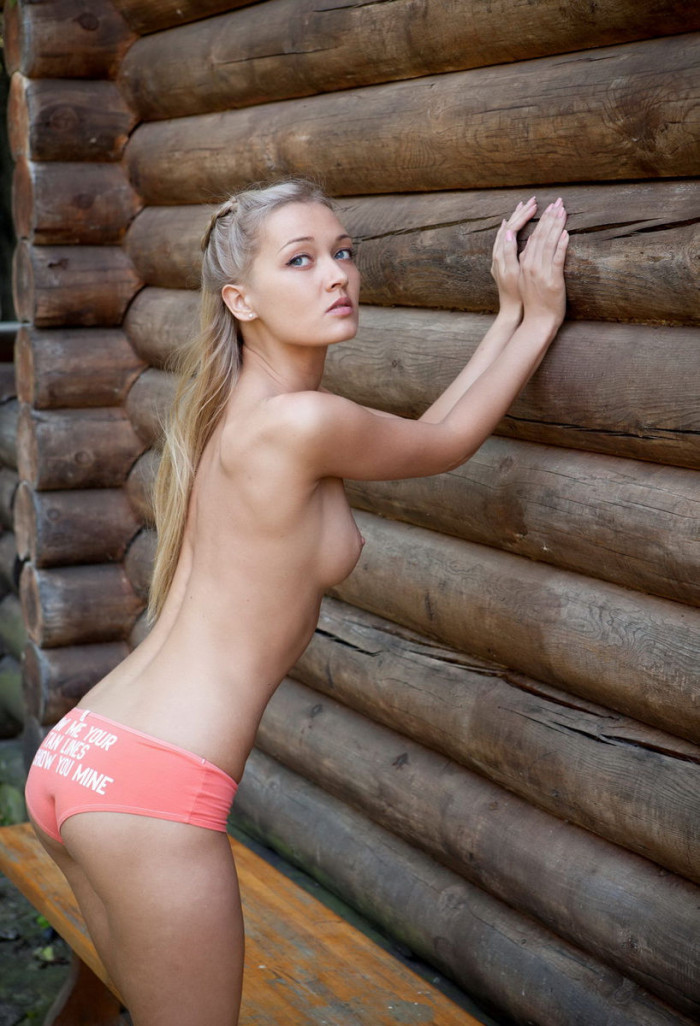 naked giantess Hot blonde