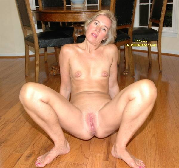 women kitchen the naked mature Sexy in