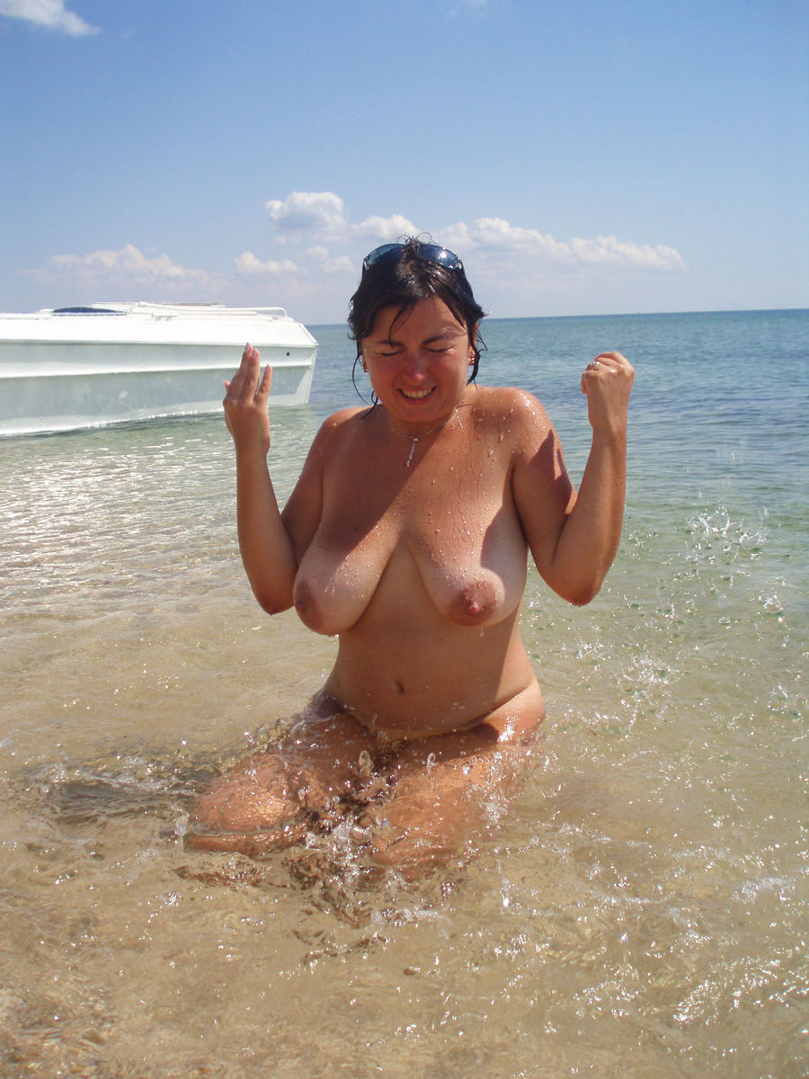 wifes photos busty topless amateur mature