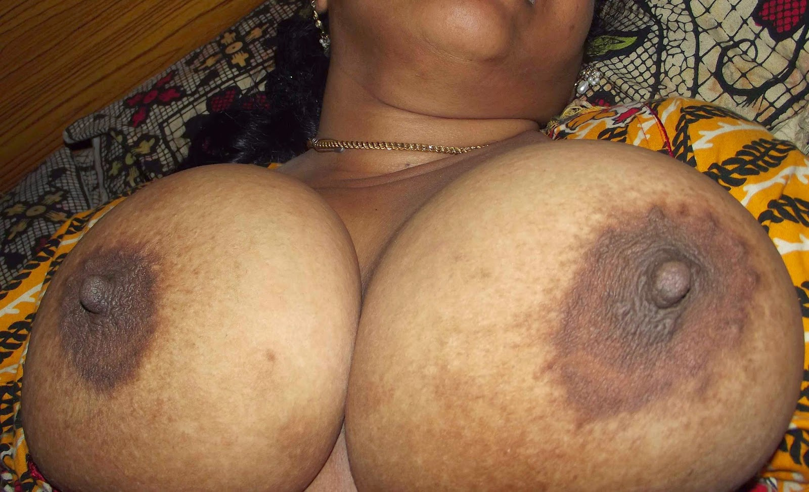 aunty big soxxip Indian pic nacked