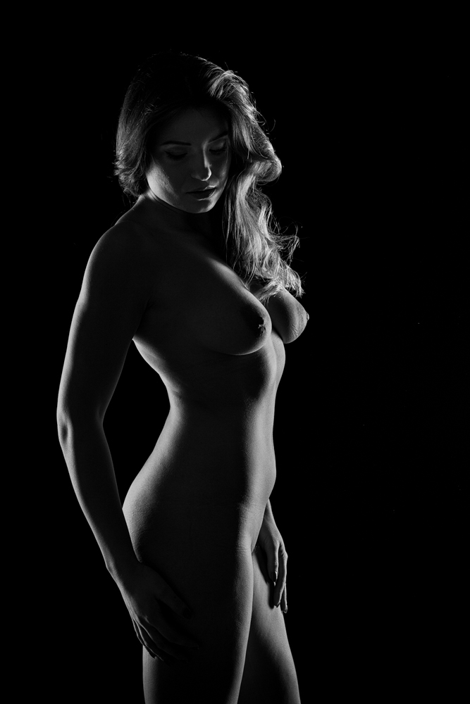 artistic woman nudes and Black white