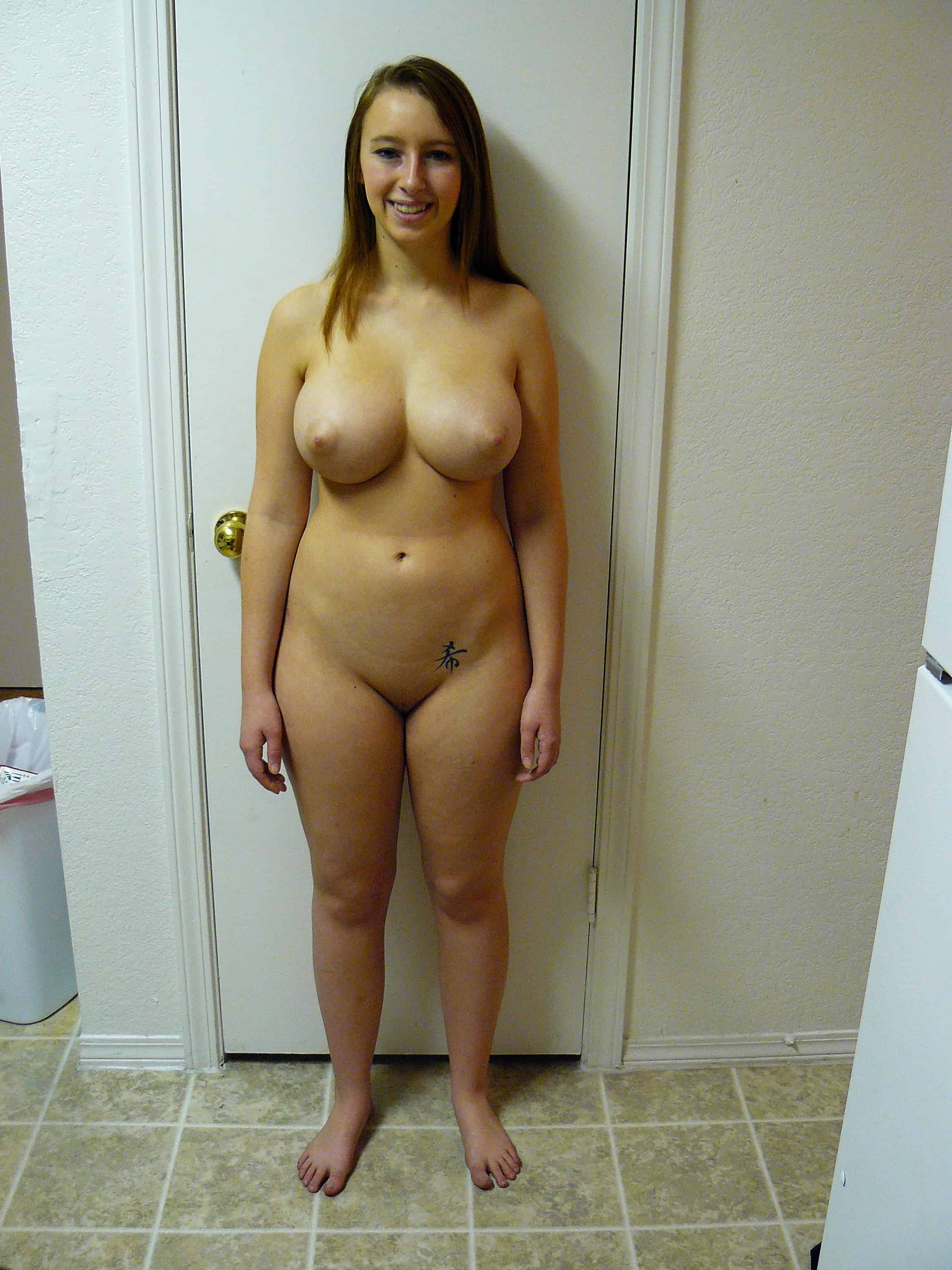 tited nude women big