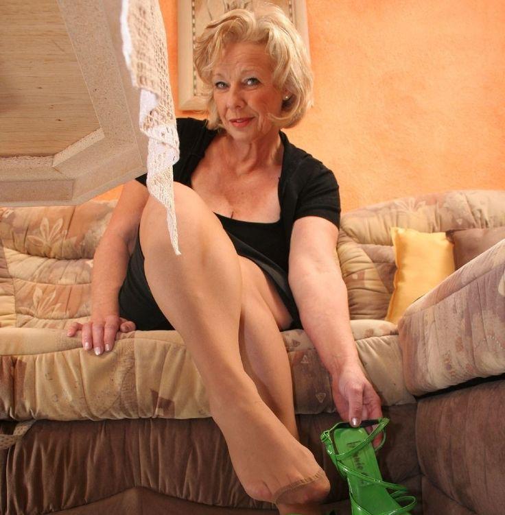 high women heels Sexy mature wearing