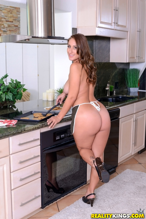 Big Ass Housewife With Massive Milk Jugs Is Having Casual Sex With Her Step