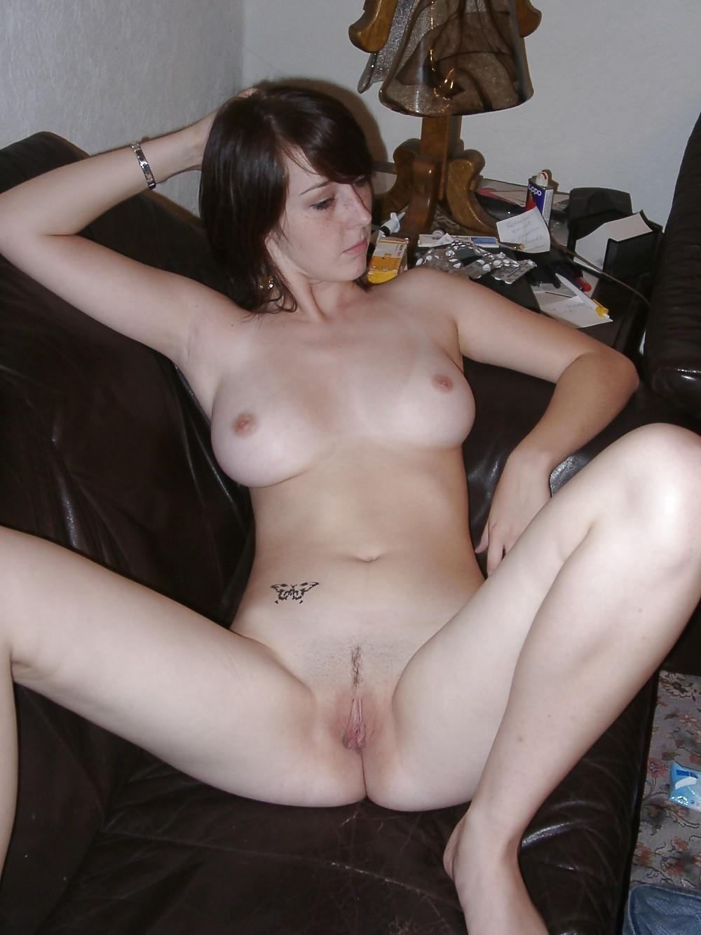 eagle Pussy shaved drugged spread