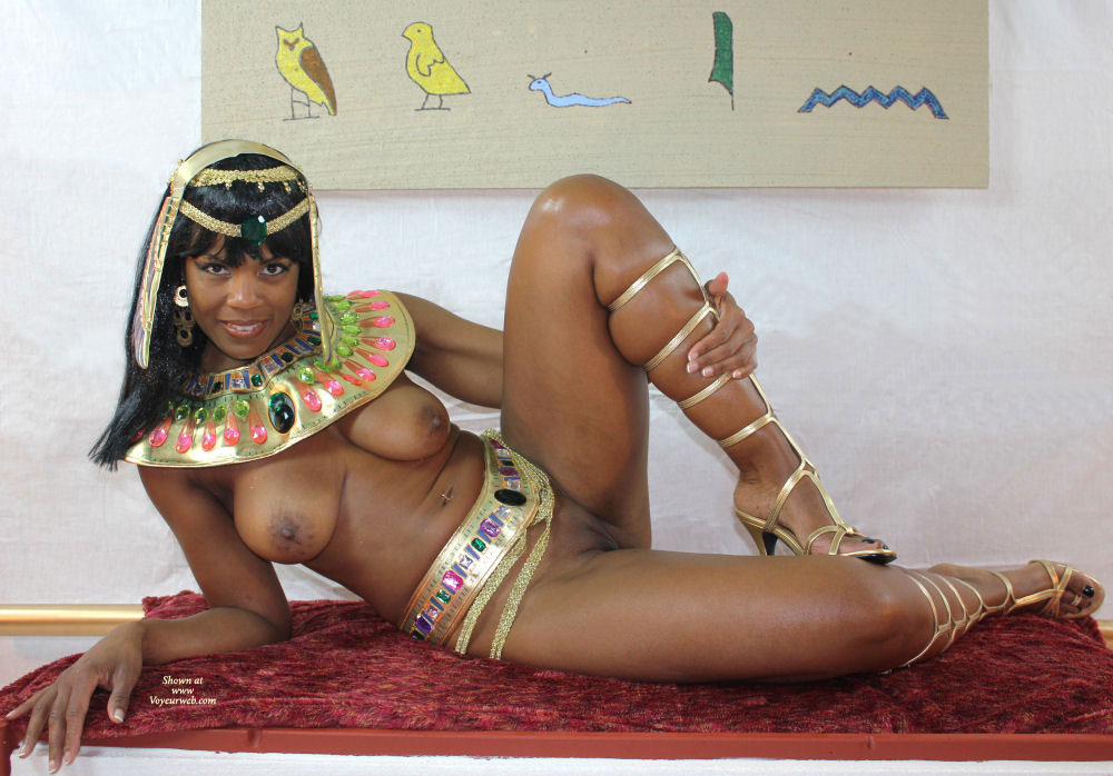 nude girls egyptian