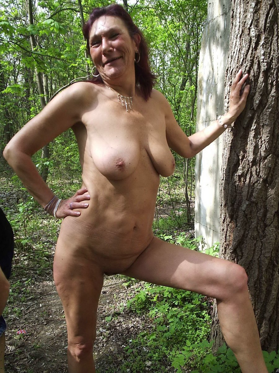 nude mature pics Old women