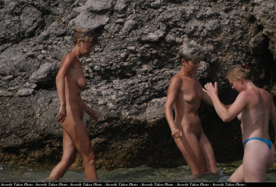beach girls nude Croatian