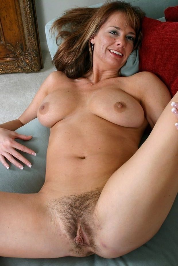 tits spread hairy big Mature pussy
