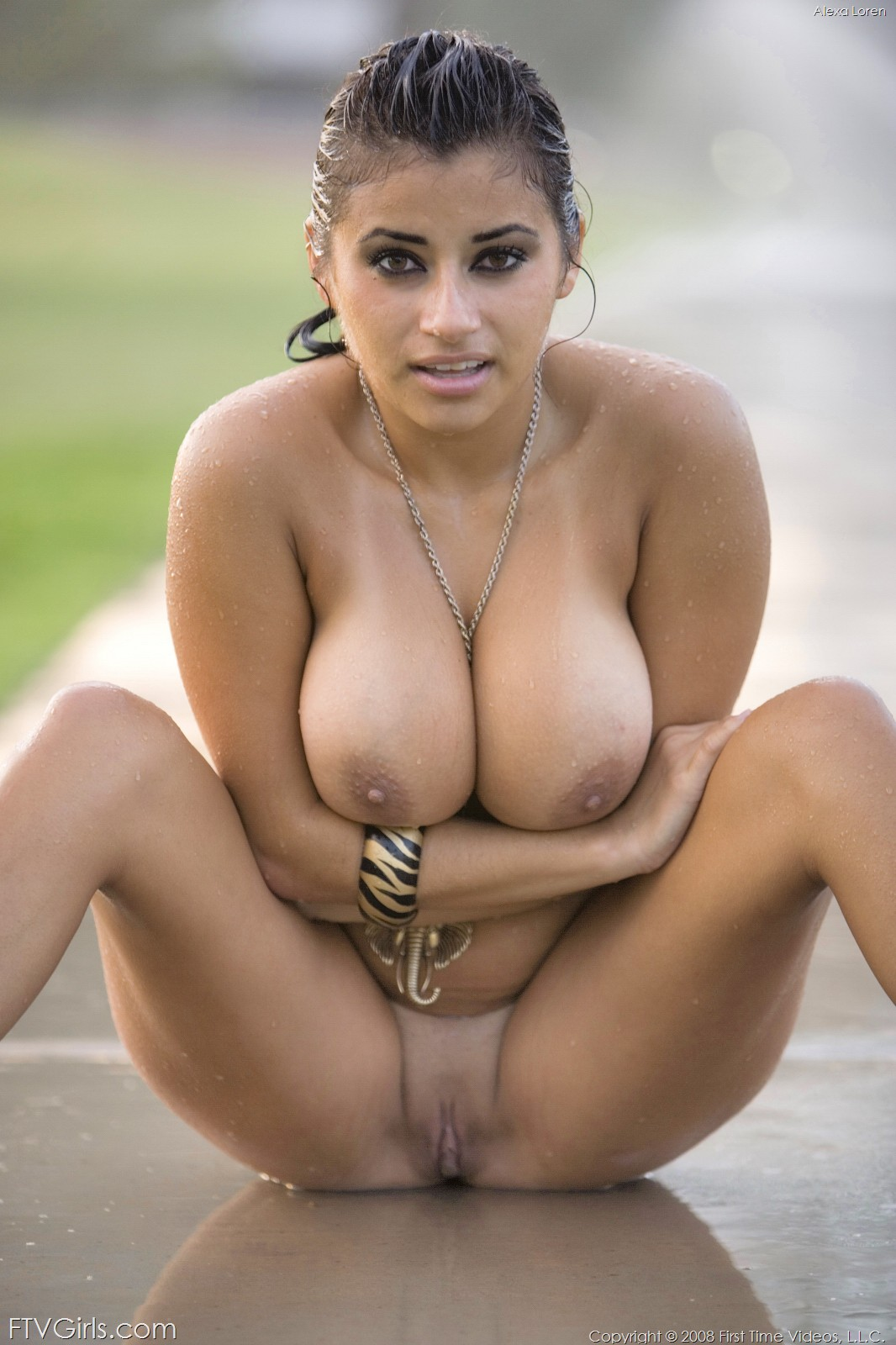 pregnant nude Eastern women indian