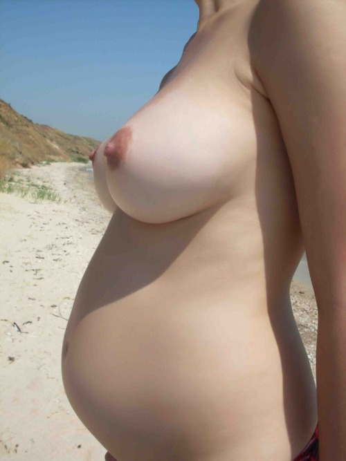 beach nude Pregnant at woman