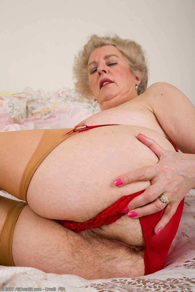 mature Busty pussy hairy