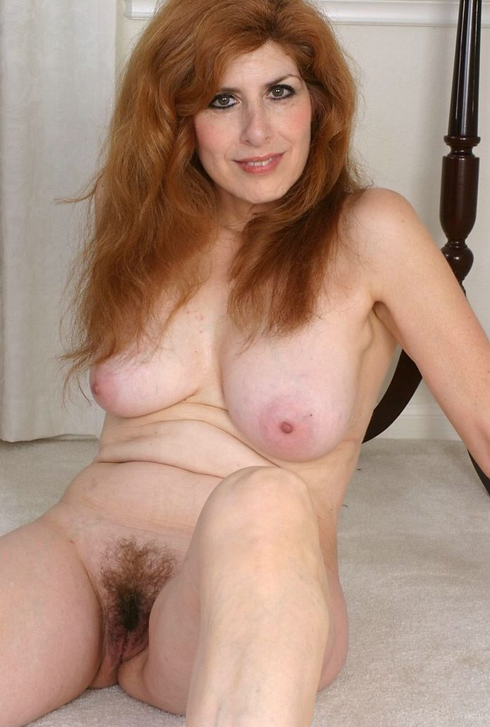 big spread Mature tits hairy pussy