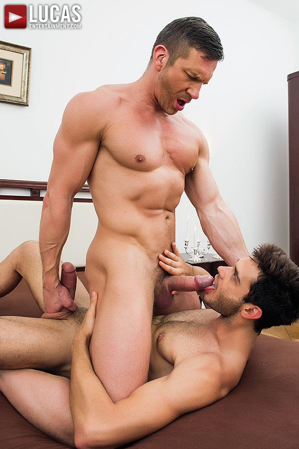 picture big muscled fuck gay