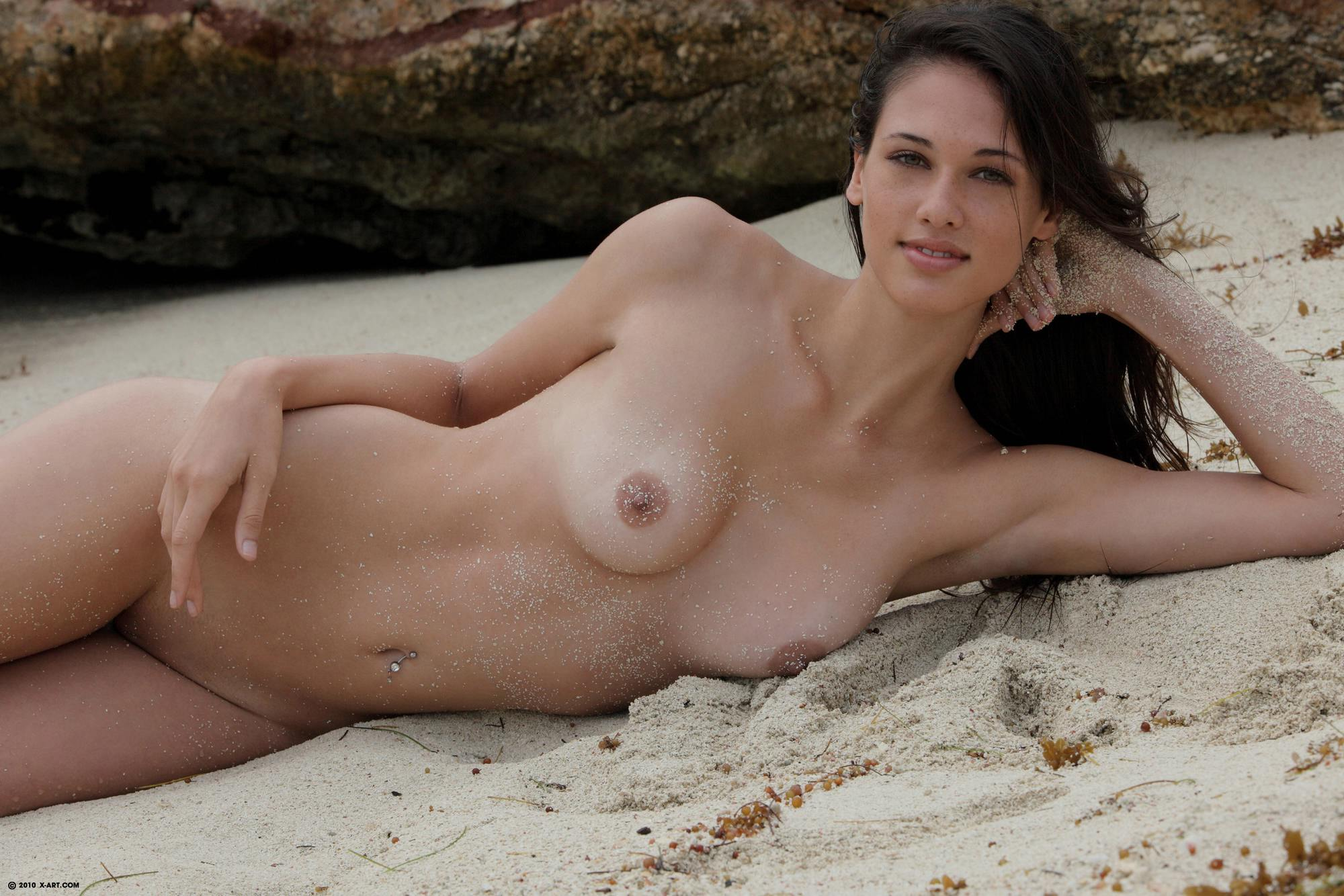 nude beautiful girl