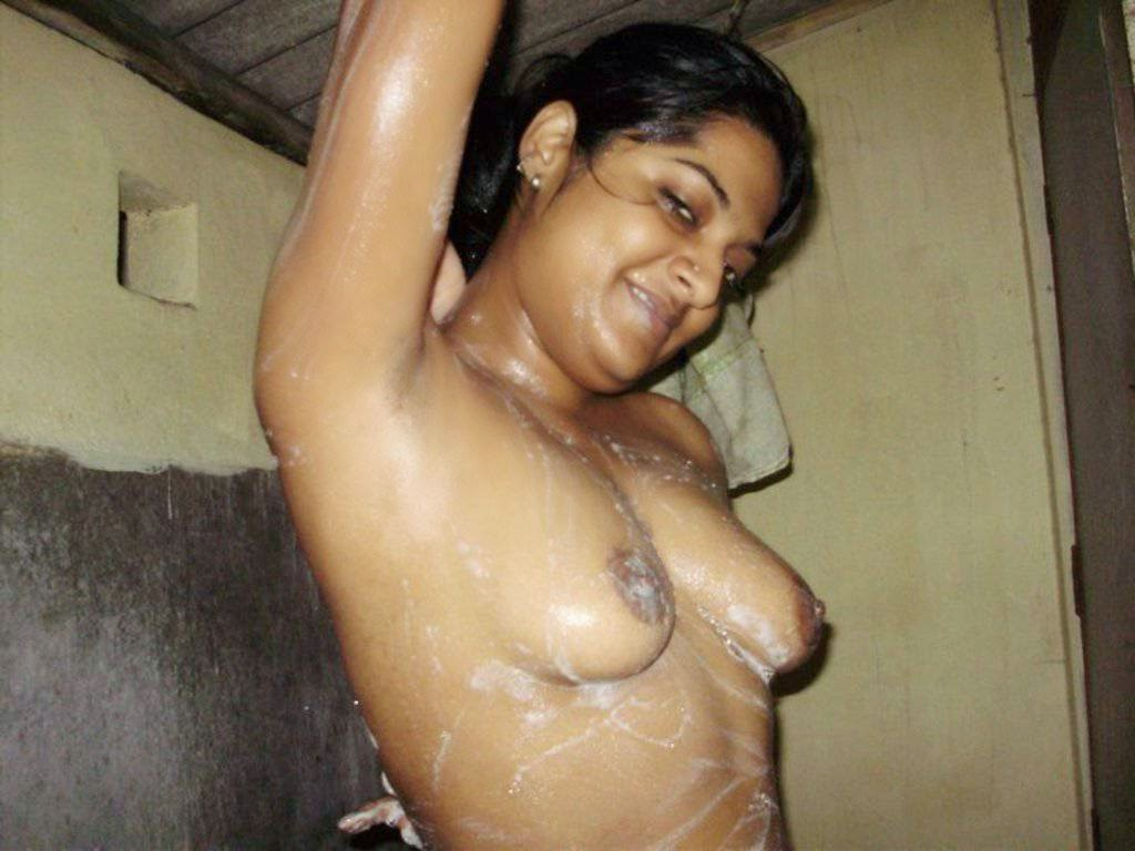 bathing girls Hot mallu