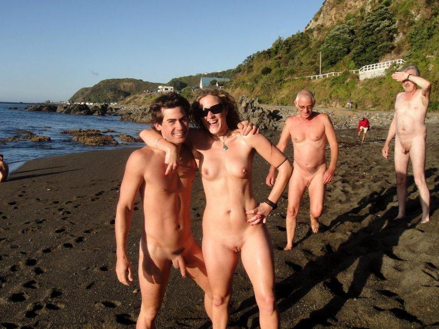 nudist New beach zealand