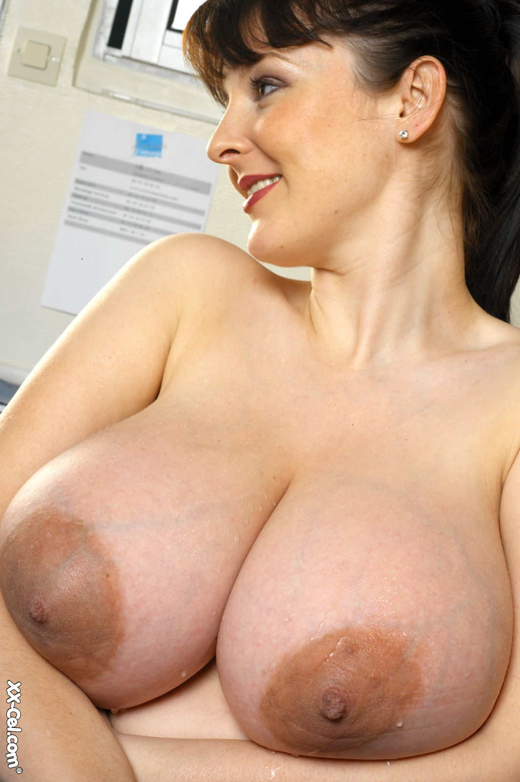 NAKED NOW NIPPLES BREAST BIG LARGE