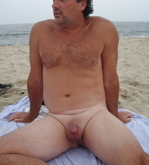 nude Naked men beaches in