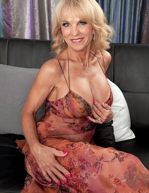 tits with Naked grannies big